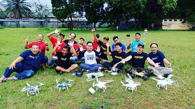 (Perluas koneksimu bersama komunitas drone / Gambar : apdi.id)