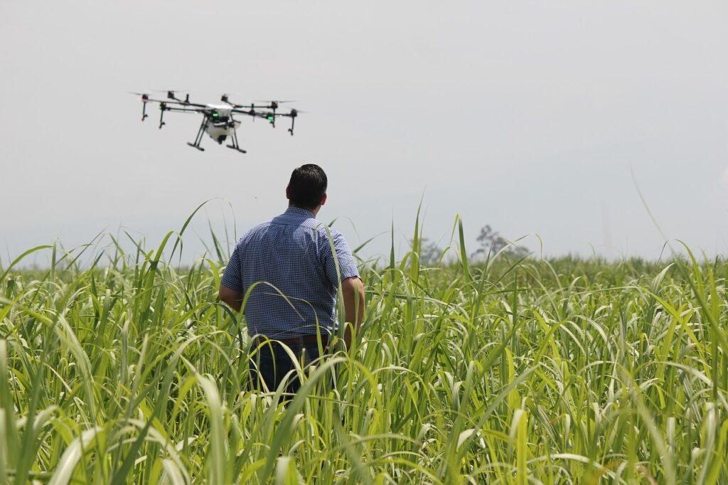 (Teknologi drone untuk pertanian)