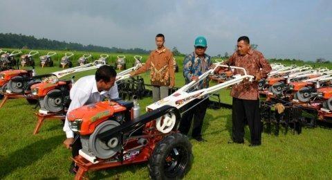 (Optimalisasi alsintan untuk proses produksi pertanian / Gambar : suara.com)