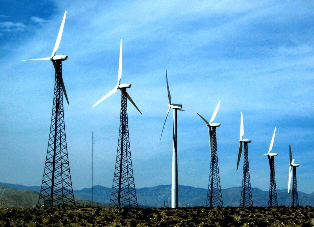 Energi terbarukan (sumber gambar : Hijauku.com)